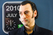 Continuity. Announcer (Alistair McGowan). Copyright: Unique Productions.