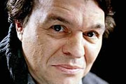 Hazelbeach. Ronnie Hazelbeach (Jamie Foreman). Copyright: BBC.