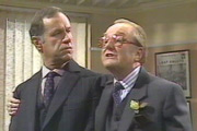 Hot Metal. Image shows from L to R: Harry Stringer (Geoffrey Palmer), Terence 'Twiggy' Rathbone (Robert Hardy). Image credit: London Weekend Television.