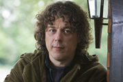 Jonathan Creek. Jonathan Creek (Alan Davies). Image credit: British Broadcasting Corporation.
