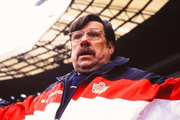 Mike Bassett: England Manager. Mike Bassett (Ricky Tomlinson). Copyright: Artists Independent Films.