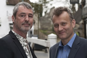 Over To Bill. Image shows from L to R: Jez (Neil Morrissey), Bill Onion (Hugh Dennis). Copyright: Baby Cow Productions / Three Feet Productions.