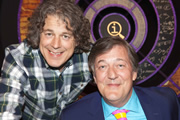 QI. Image shows from L to R: Alan Davies, Stephen Fry. Copyright: TalkbackThames.