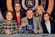 QI. Image shows from L to R: Alan Davies, Jo Brand, Stephen Fry, Liza Tarbuck, Sue Perkins. Copyright: TalkbackThames.