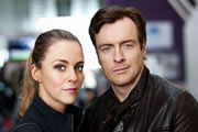 Vexed. Image shows from L to R: D.I. Georgina Dixon (Miranda Raison), D.I. Jack Armstrong (Toby Stephens). Image credit: Greenlit Rights.