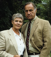 As Time Goes By. Image shows from L to R: Jean (Judi Dench), Lionel (Geoffrey Palmer). Image credit: DLT Entertainment Ltd..