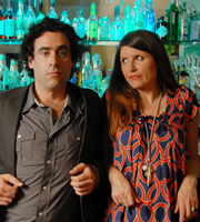 Free Agents. Image shows from L to R: Alex Taylor (Stephen Mangan), Helen Ryan (Sharon Horgan). Copyright: Big Talk Productions / Bwark Productions.
