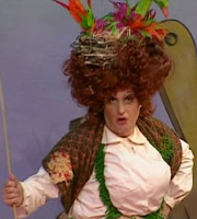 Jack & The Beanstalk. Dame Dolly (Adrian Edmondson). Image credit: Wishbone Productions.
