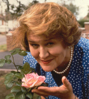Keeping Up Appearances. Hyacinth Bucket (Patricia Routledge). Image credit: British Broadcasting Corporation.