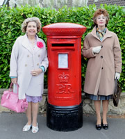 Ladies Of Letters. Image shows from L to R: Vera Small (Anne Reid), Irene Spencer (Maureen Lipman). Image credit: Tiger Aspect Productions.