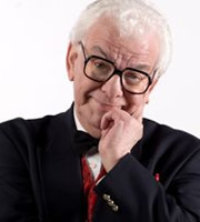 The Leicester Comedy Festival. Barry Cryer. Copyright: BBC.