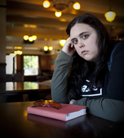 My Mad Fat Diary. Rae Earl (Sharon Rooney). Image credit: Tiger Aspect Productions.