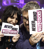 Never Mind The Buzzcocks. Image shows from L to R: Noel Fielding, Phill Jupitus. Image credit: TalkbackThames.
