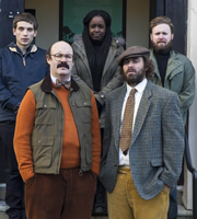 Rotters. Image shows from L to R: Crook (Daniel Simonsen), Crook (Sam Simmons), Crook (Lolly Adefope), Crook (Phil Burgers), Crook (John Kearns). Image credit: Eleven Film.