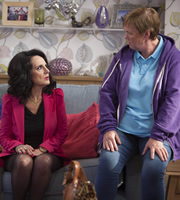 Birds Of A Feather. Image shows from L to R: Dorien Green (Lesley Joseph), Sharon Theodopolopodous (Pauline Quirke). Copyright: Alomo Productions / Retort.