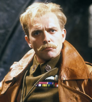 Blackadder. Squadron Leader Lord Flasheart (Rik Mayall). Copyright: BBC / Tiger Aspect Productions.