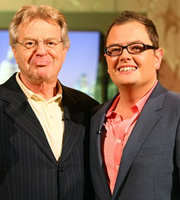 Alan Carr: Chatty Man. Image shows from L to R: Jerry Springer, Alan Carr. Copyright: Open Mike Productions.