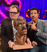 Alan Carr: Chatty Man. Image shows from L to R: Alan Carr, Lionel Richie. Copyright: Open Mike Productions.