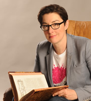 Crackanory. Sue Perkins. Copyright: Tiger Aspect Productions.