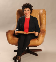 Crackanory. Ruby Wax. Copyright: Tiger Aspect Productions.