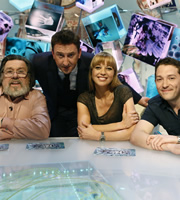 Duck Quacks Don't Echo. Image shows from L to R: Ricky Tomlinson, Lee Mack, Sara Cox, Jon Richardson. Copyright: Magnum Media.