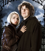 Jonathan Creek. Image shows from L to R: Joey Ross (Sheridan Smith), Jonathan Creek (Alan Davies). Copyright: BBC.