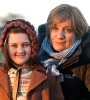 Little Crackers. Image shows from L to R: Eunice (Briony Farr), Victoria Wood.