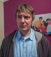 Little Crackers. Father (Dylan Moran).