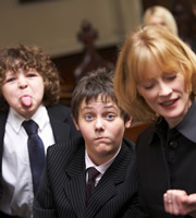 Outnumbered. Image shows from L to R: Ben (Daniel Roche), Jake (Tyger Drew-Honey), Sue (Claire Skinner). Copyright: Hat Trick Productions.