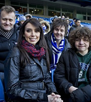 Outnumbered. Image shows from L to R: Pete (Hugh Dennis), Christine Bleakley, Jake (Tyger Drew-Honey), Ben (Daniel Roche). Copyright: Hat Trick Productions.