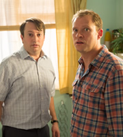 Peep Show. Image shows from L to R: Mark Corrigan (David Mitchell), Jeremy Usbourne (Robert Webb). Copyright: Objective Productions.
