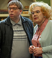 Psychoville. Image shows from L to R: David Sowerbutts (Steve Pemberton), Maureen Sowerbutts (Reece Shearsmith). Copyright: BBC.