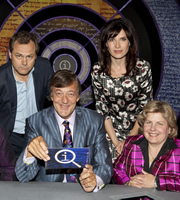 QI. Image shows from L to R: Jack Dee, Stephen Fry, Ronni Ancona, Sandi Toksvig. Image credit: TalkbackThames.