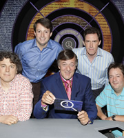 QI. Image shows from L to R: Alan Davies, David Mitchell, Stephen Fry, Rob Brydon, Johnny Vegas. Copyright: TalkbackThames.
