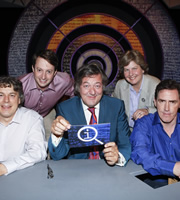 QI. Image shows from L to R: Alan Davies, David Mitchell, Stephen Fry, Sandi Toksvig, Rob Brydon. Copyright: TalkbackThames.