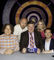 QI. Image shows from L to R: Alan Davies, Bill Bailey, Stephen Fry, Victoria Coren Mitchell, Jimmy Carr. Copyright: TalkbackThames.