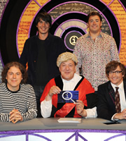 QI. Image shows from L to R: Alan Davies, Brian Cox, Stephen Fry, Jason Manford, Rhys Darby. Copyright: TalkbackThames.