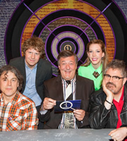 QI. Image shows from L to R: Alan Davies, Josh Widdicombe, Stephen Fry, Katherine Ryan, Phill Jupitus. Copyright: TalkbackThames.
