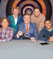 QI. Image shows from L to R: Alan Davies, Sandi Toksvig, Stephen Fry, Jason Manford, Trevor Noah. Copyright: TalkbackThames.