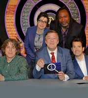 QI. Image shows from L to R: Alan Davies, Sue Perkins, Stephen Fry, Reginald D Hunter, Jimmy Carr. Copyright: TalkbackThames.