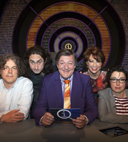 QI. Image shows from L to R: Alan Davies, Ross Noble, Stephen Fry, Kathy Lette, Sue Perkins. Copyright: TalkbackThames.