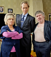 Rab C. Nesbitt. Image shows from L to R: Mary Nesbitt (Elaine C. Smith), Chingford Steel (Richard E. Grant), Rab C. Nesbitt (Gregor Fisher). Copyright: The Comedy Unit.