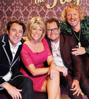 Through The Keyhole. Image shows from L to R: Jonathan Ross, Ruth Langsford, Alan Carr, Leigh Francis. Copyright: Talkback.