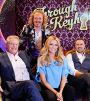 Through The Keyhole. Image shows from L to R: Jerry Springer, Leigh Francis, Tess Daly, Paddy McGuinness. Copyright: Talkback.