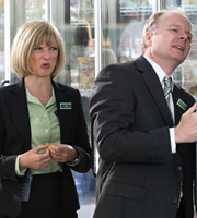 Trollied. Image shows from L to R: Julie (Jane Horrocks), Gavin (Jason Watkins). Copyright: Roughcut Television.