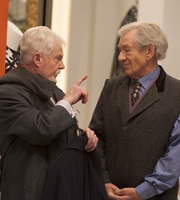 Vicious. Image shows from L to R: Stuart (Derek Jacobi), Freddie (Ian McKellen). Copyright: Brown Eyed Boy / Kudos Productions.