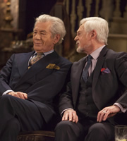 Vicious. Image shows from L to R: Freddie (Ian McKellen), Stuart (Derek Jacobi). Copyright: Brown Eyed Boy / Kudos Productions.