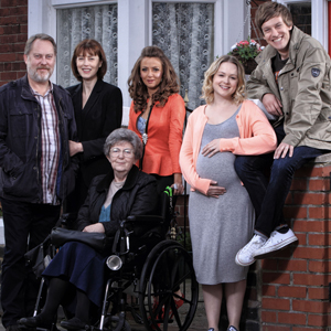 Hebburn. Image shows from L to R: Joe Pearson (Jim Moir), Pauline Pearson (Gina McKee), Dot (Pat Dunn), Vicki (Lisa McGrillis), Sarah Pearson (Kimberley Nixon), Jack Pearson (Chris Ramsey). Image credit: Channel X.