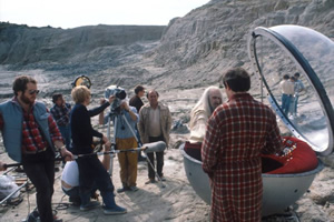The Hitchhiker's Guide To The Galaxy. Image shows from L to R: Slartibartfast (Richard Vernon), Arthur Dent (Simon Jones). Image credit: British Broadcasting Corporation.