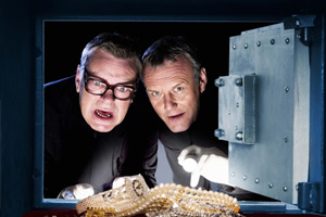 The Invisibles. Image shows from L to R: Syd Woolsey (Warren Clarke), Maurice Riley (Anthony Head). Copyright: Company Pictures.